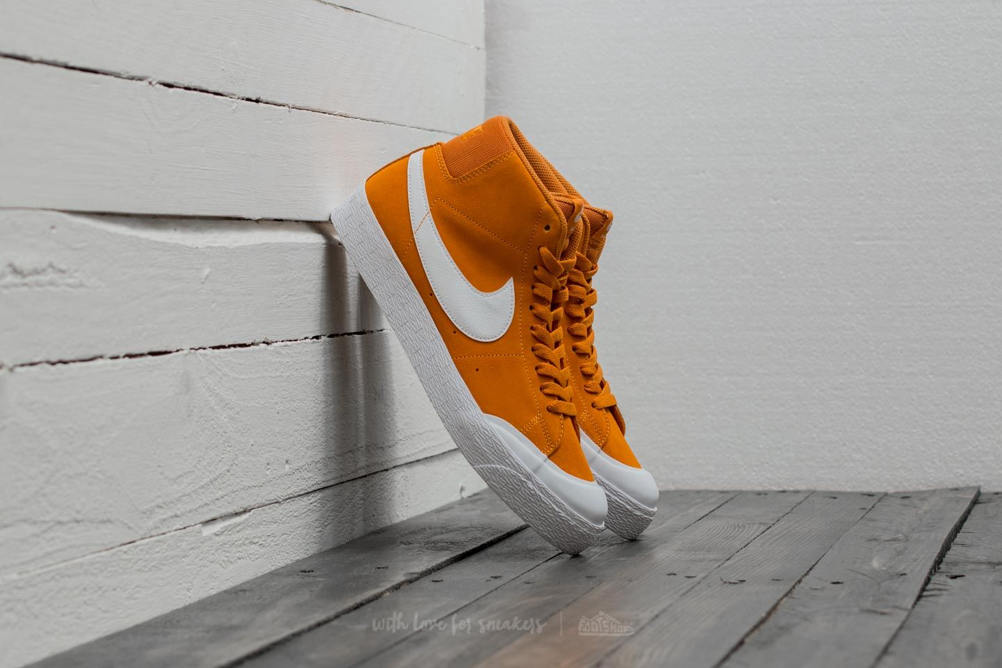 Nike SB Blazer Zoom Mid XT Circuit Orange/ White