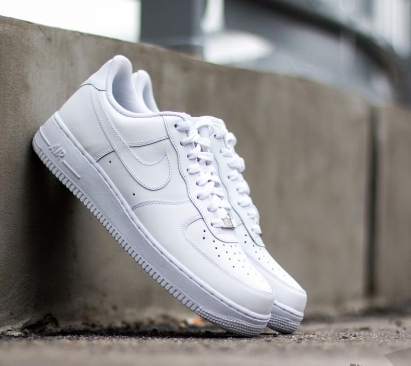 Nike Air Force 1 07 LE Obsidian White