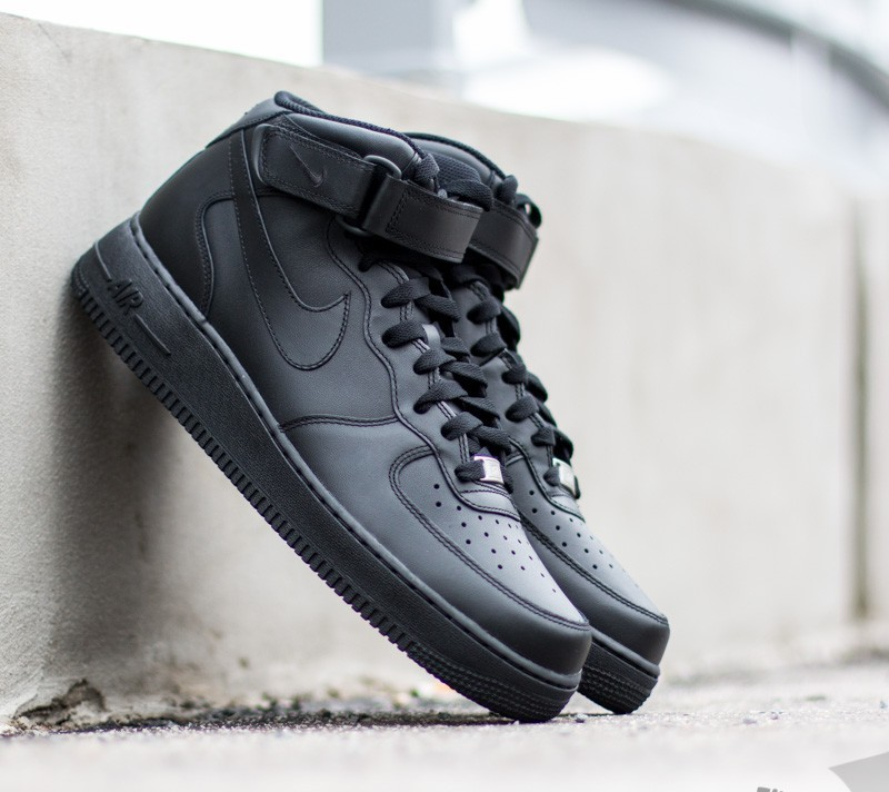 Nike Wmns Air Force 1 Mid ´07 LE Black/ Black