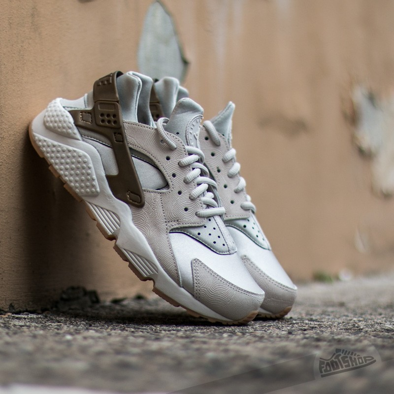 Nike Wmns Air Huarache Run Premium Suede Gamma Grey/ Phantom