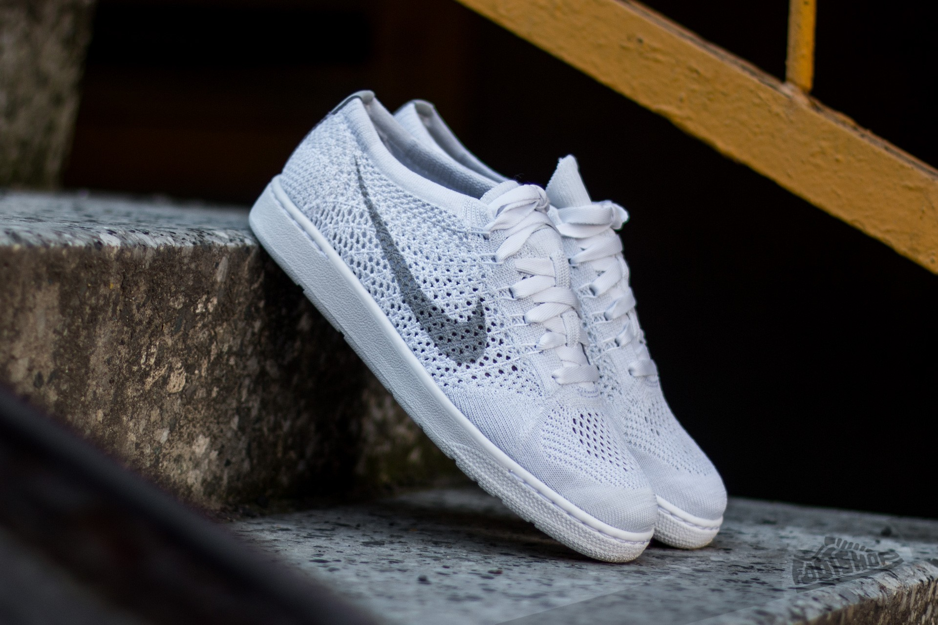 Nike W Tennis Classic Ultra Flyknit White/ Wolf Grey