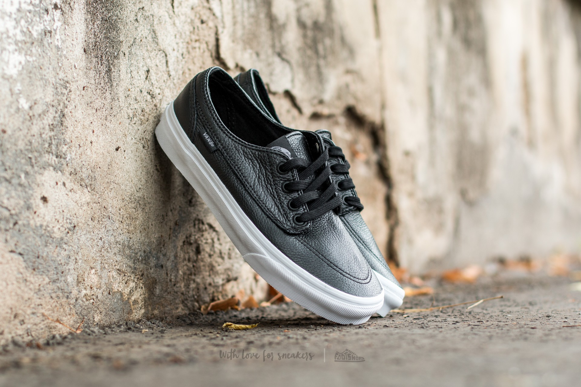 Vans Brigata (Premium Leather) Black/ True White