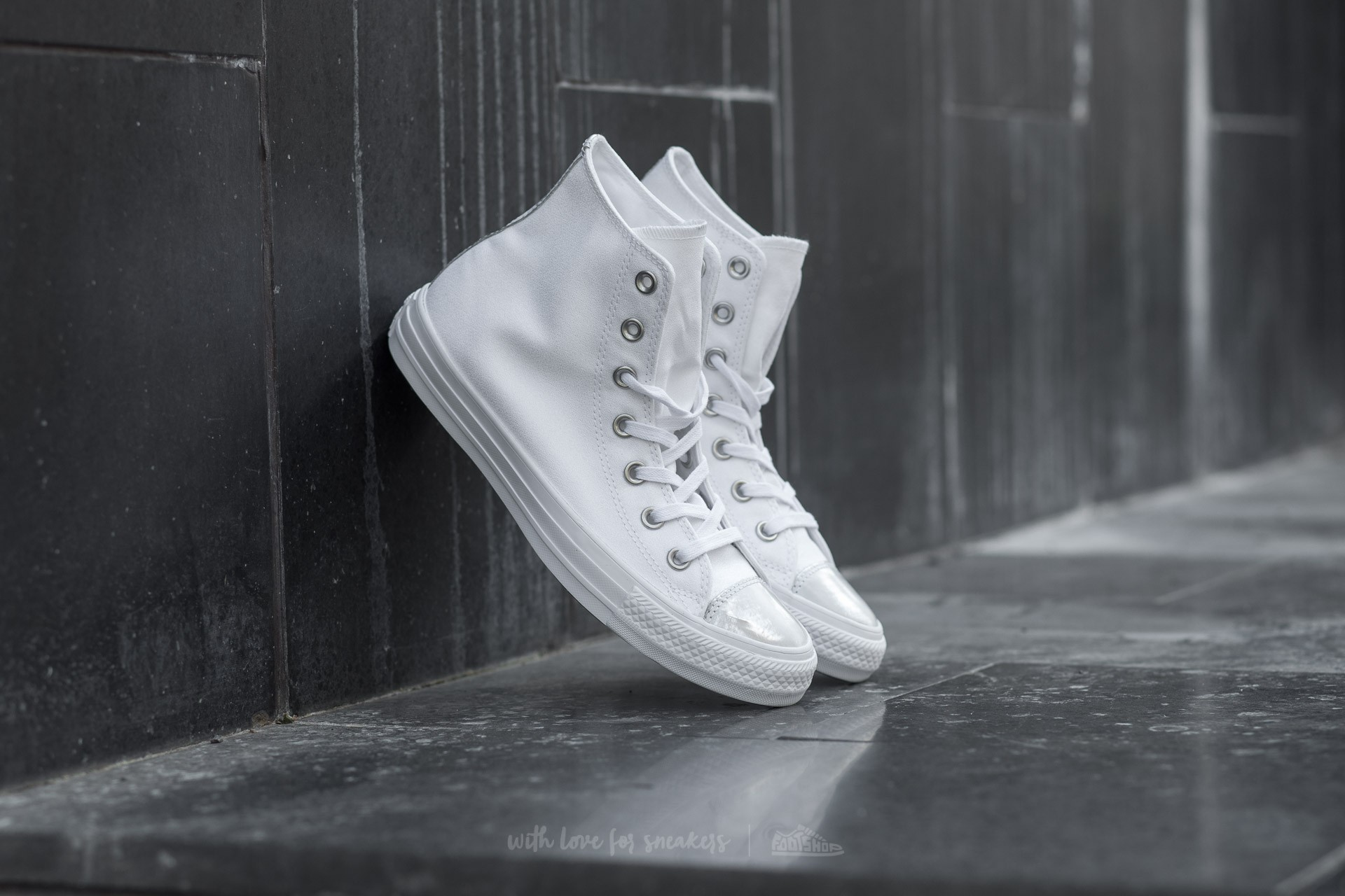 Converse Chuck Taylor All Star Brush Off Leather Toecap White/ Pure Silver/ White