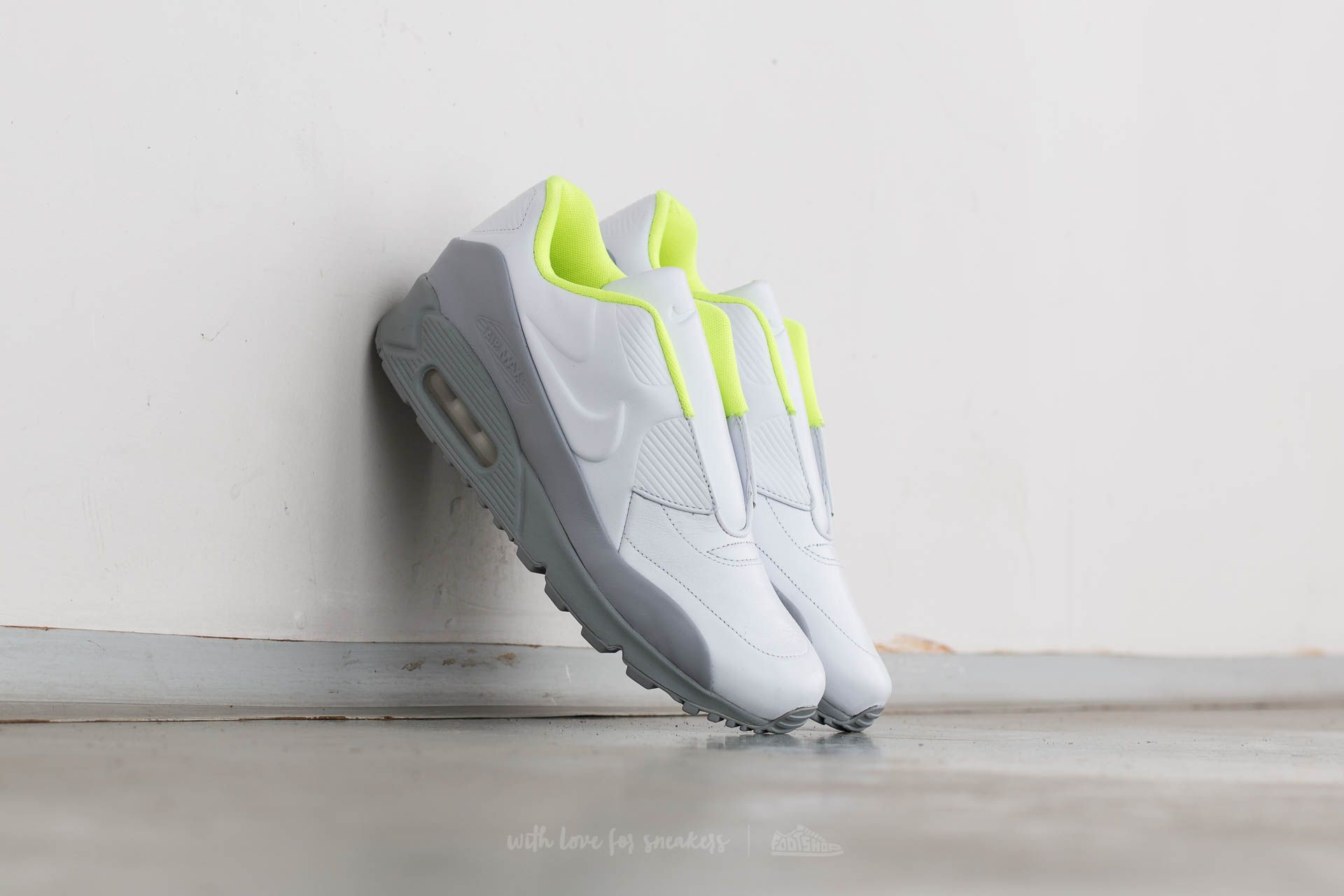 Nike Wmns Air Max 90 SP/ Sacai White/ White-Wolf Grey-Volt