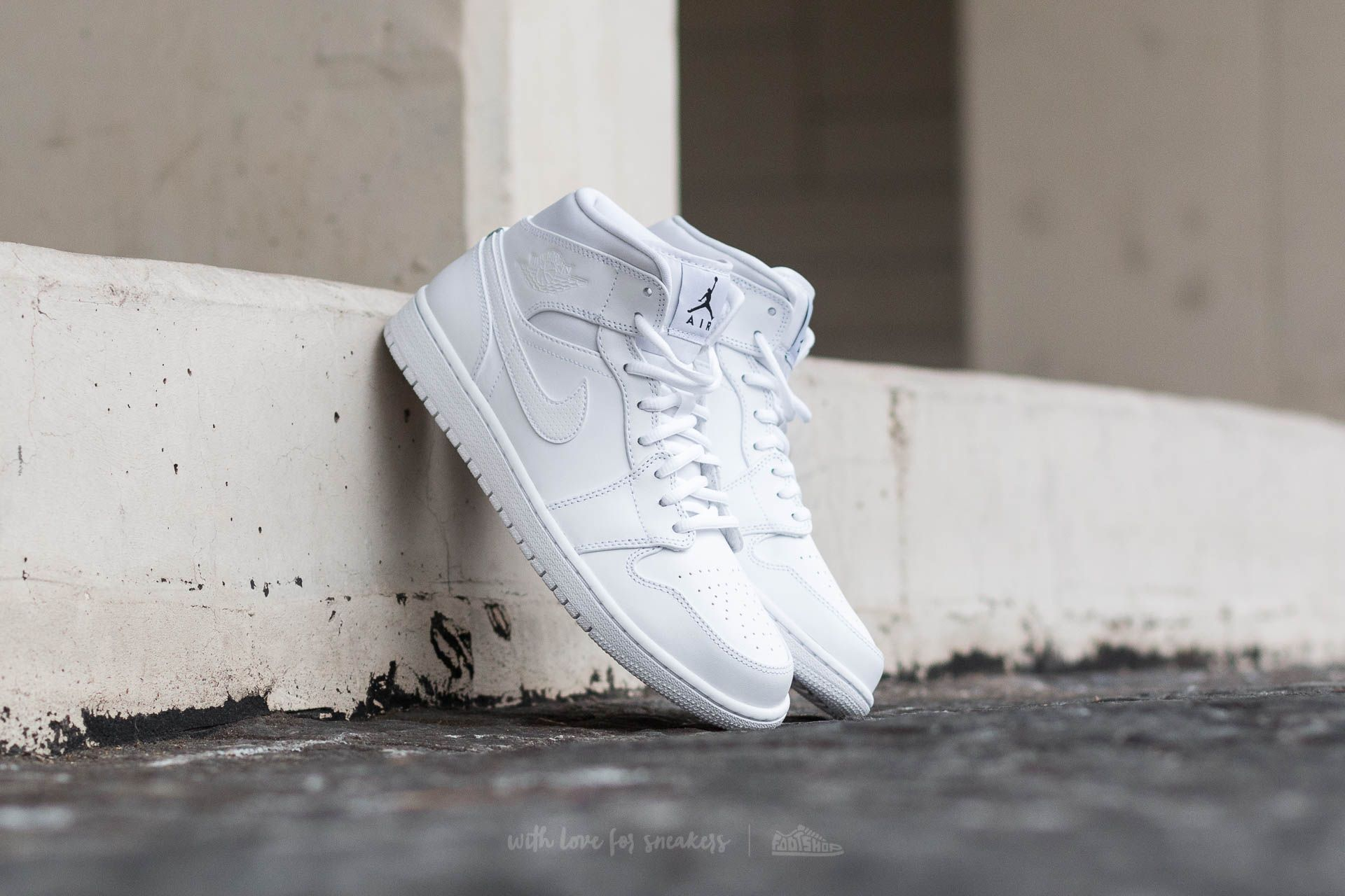Air Jordan 1 Mid White/ Black-White
