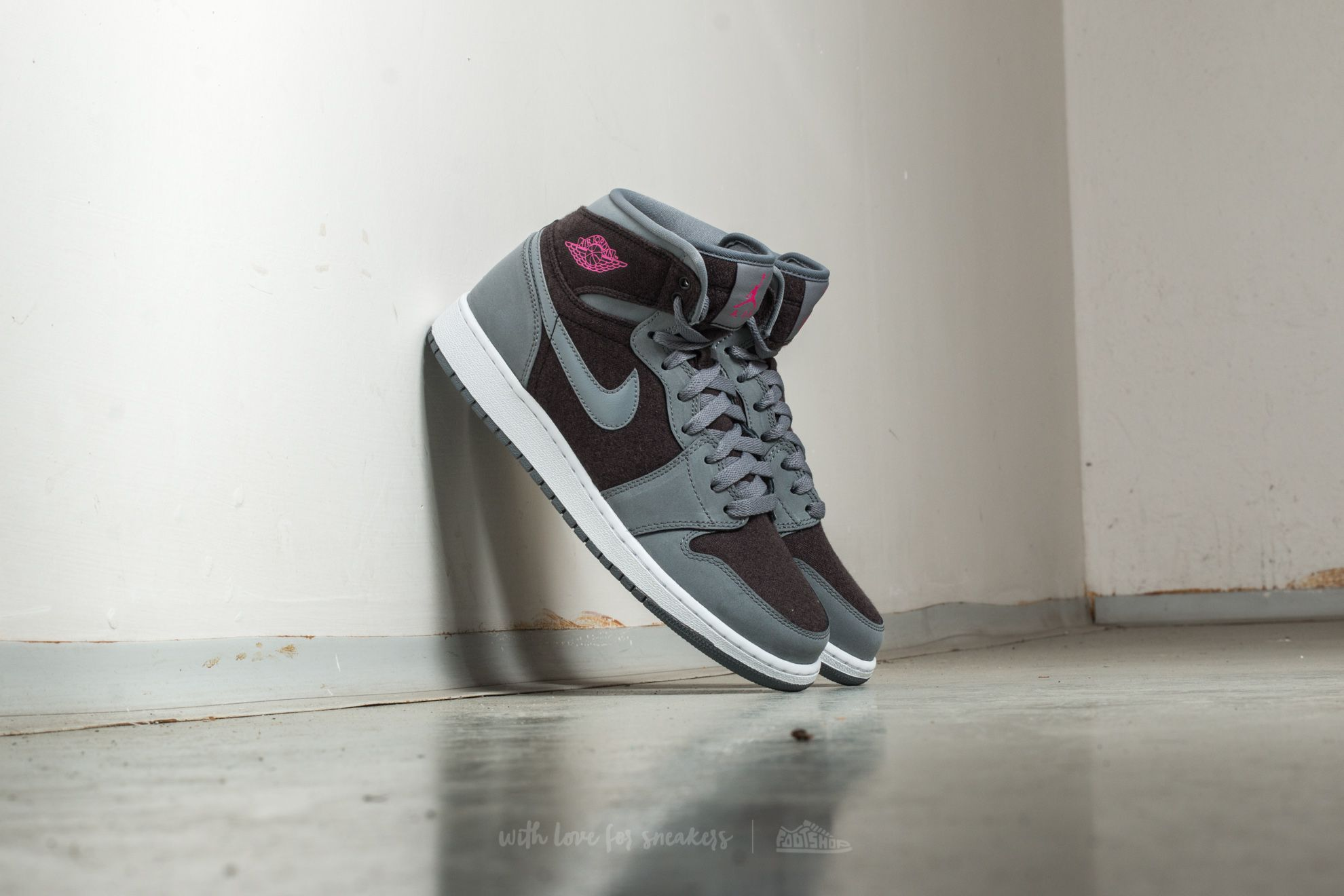Air Jordan 1 Retro High (GG) Cool Grey/ Vivid Pink-Black