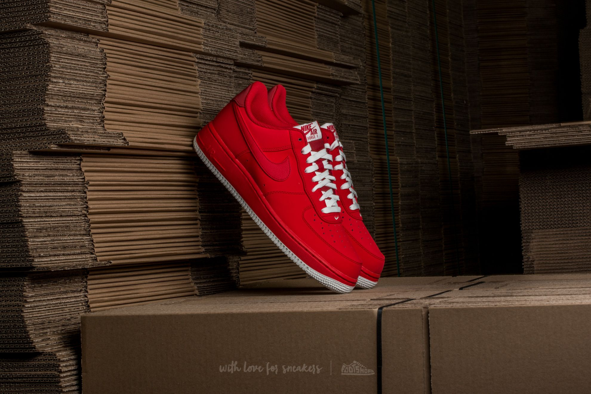 Nike Air Force 1 University Red/ University Red