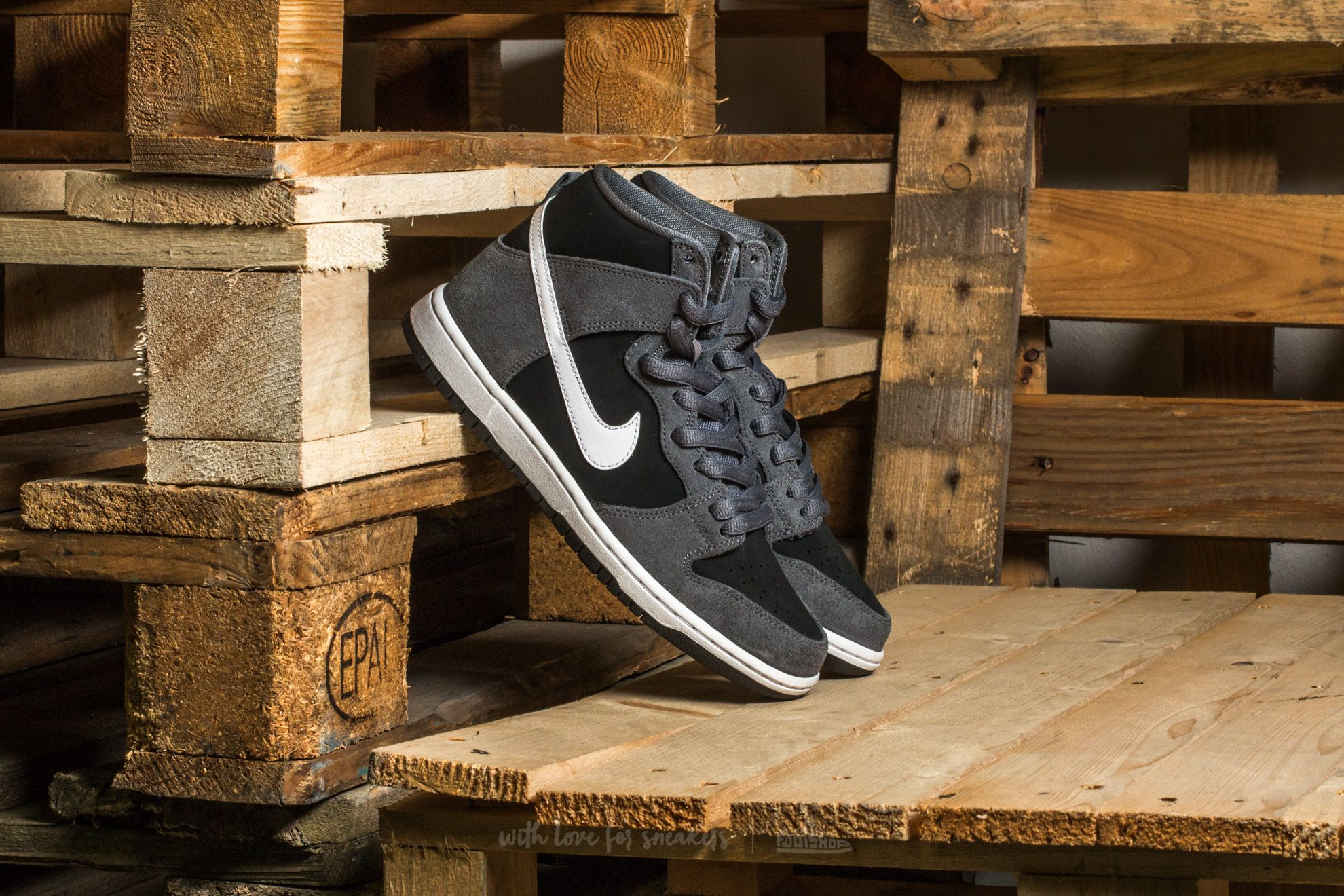 Nike SB Zoom Dunk High Pro Dark Grey/ White-Black-White
