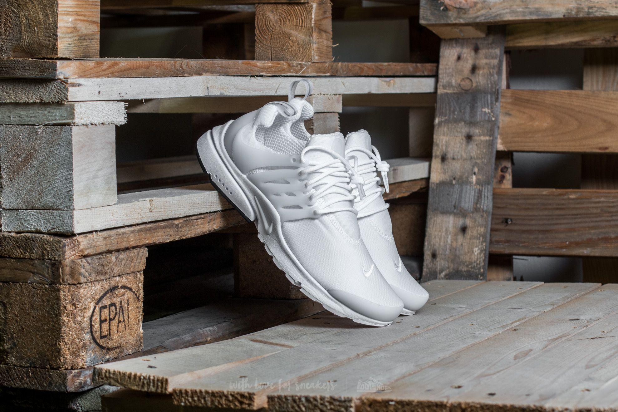 Nike Air Presto Essential White/ White-Black