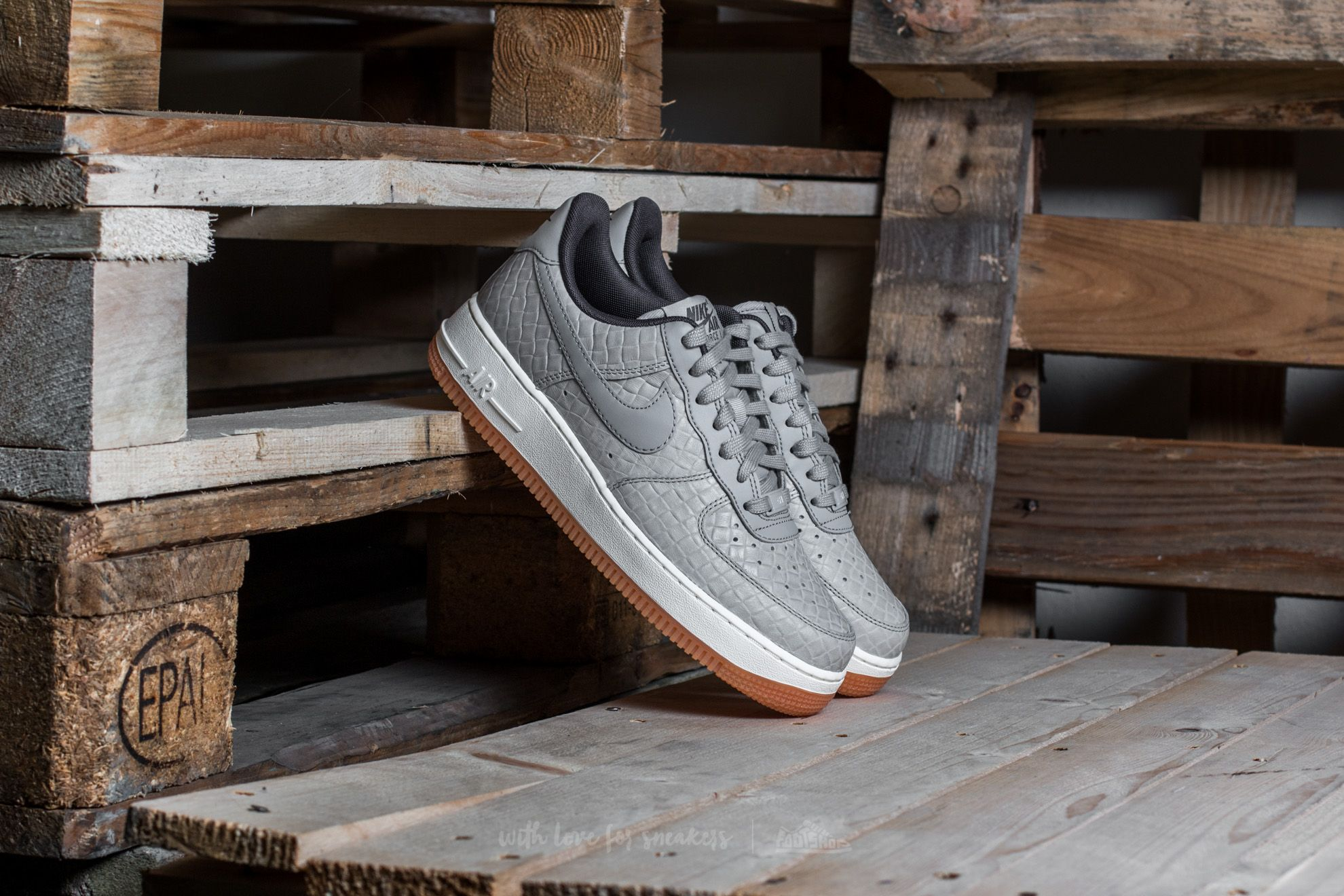 Nike Wmns Air Force 1 '07 Premium Wolf Grey/ Wolf Grey