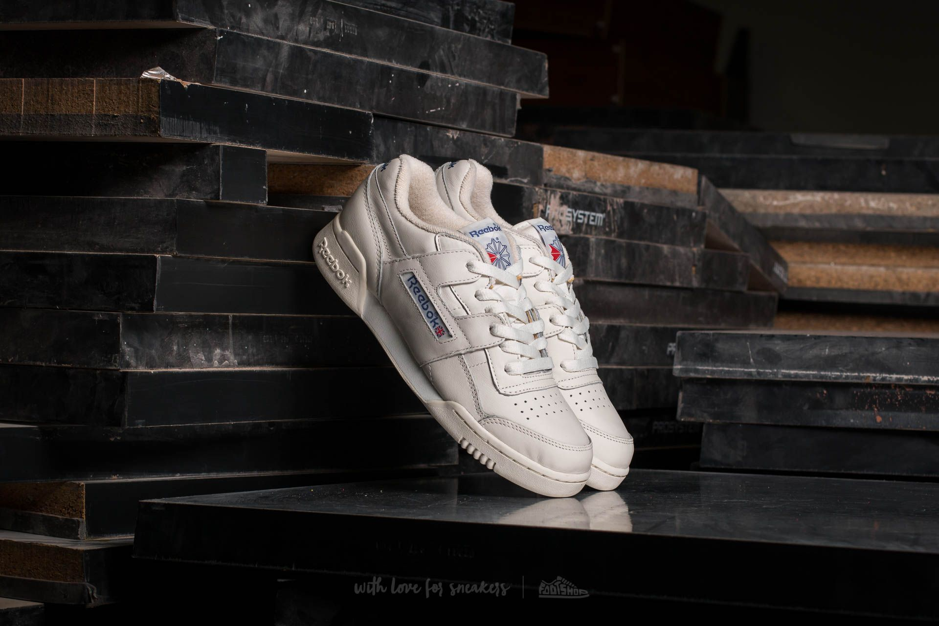 Reebok Workout Plus Vintage Chalk/ Classic White/ Royal