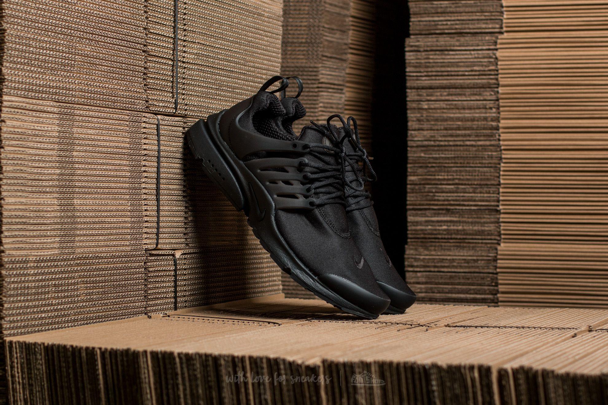 Nike Air Presto Essential Black/ Black-Black