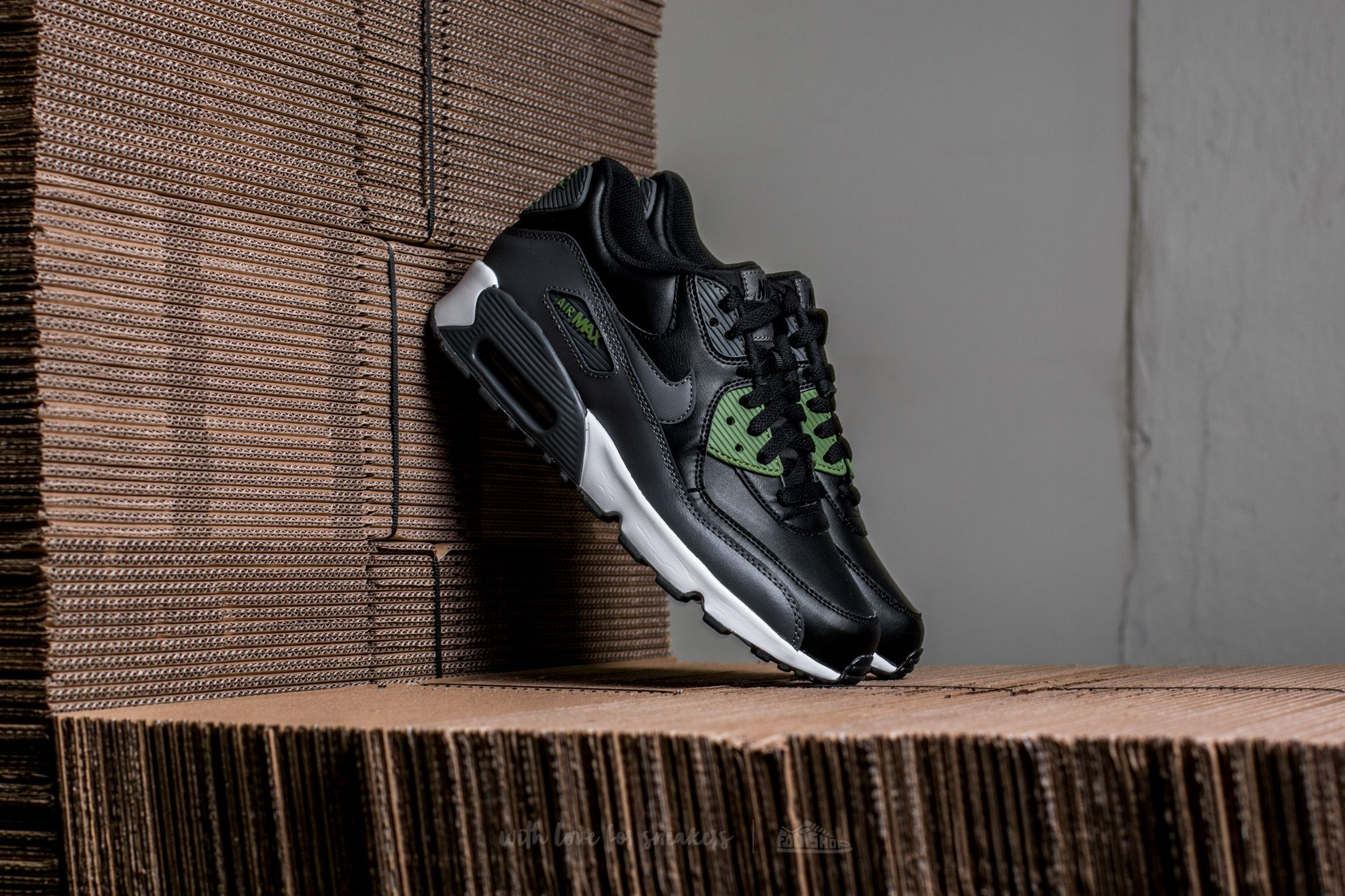 Nike Air Max 90 Leather (GS) Black/ Dark Grey-Palm Green