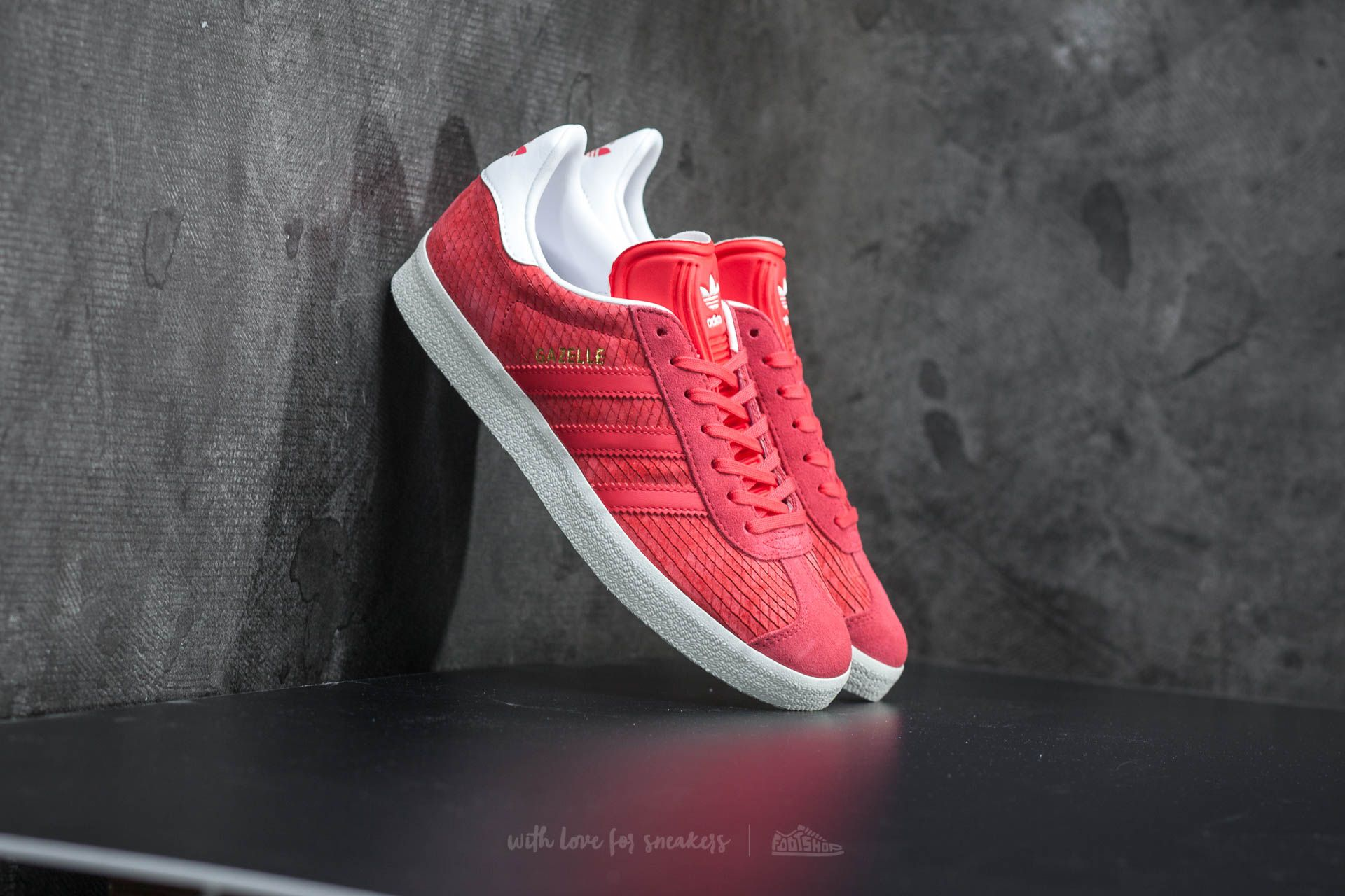 adidas Gazelle W Core Pink/ Off White