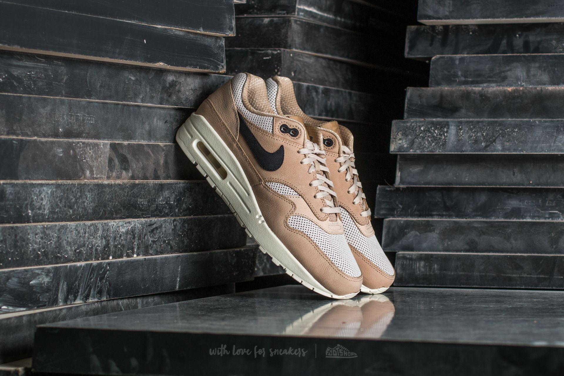 Nike Wmns Air Max 1 Pinnacle Mushroom/ Black-Light Bone