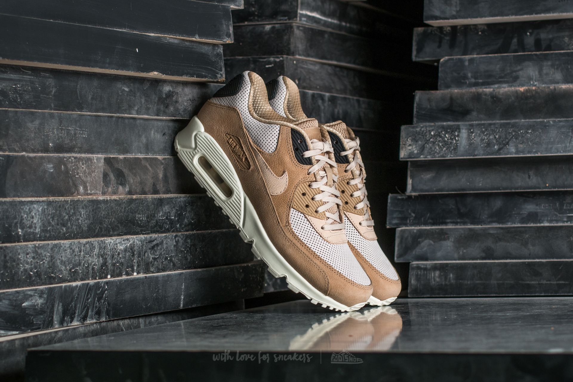 Nike Wmns Air Max 90 Pinnacle Mushroom/ Oatmeal-Light Bone