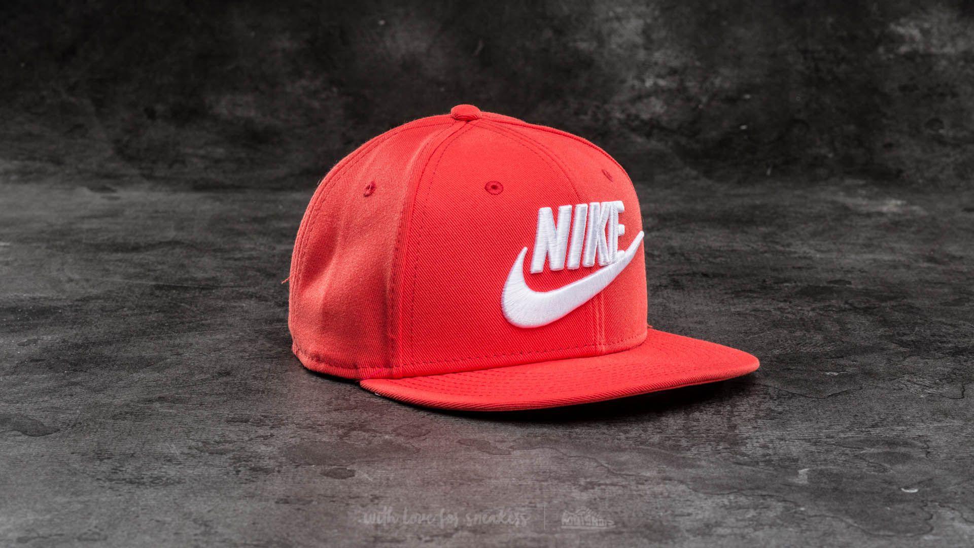 Nike Futura True Snapback Red