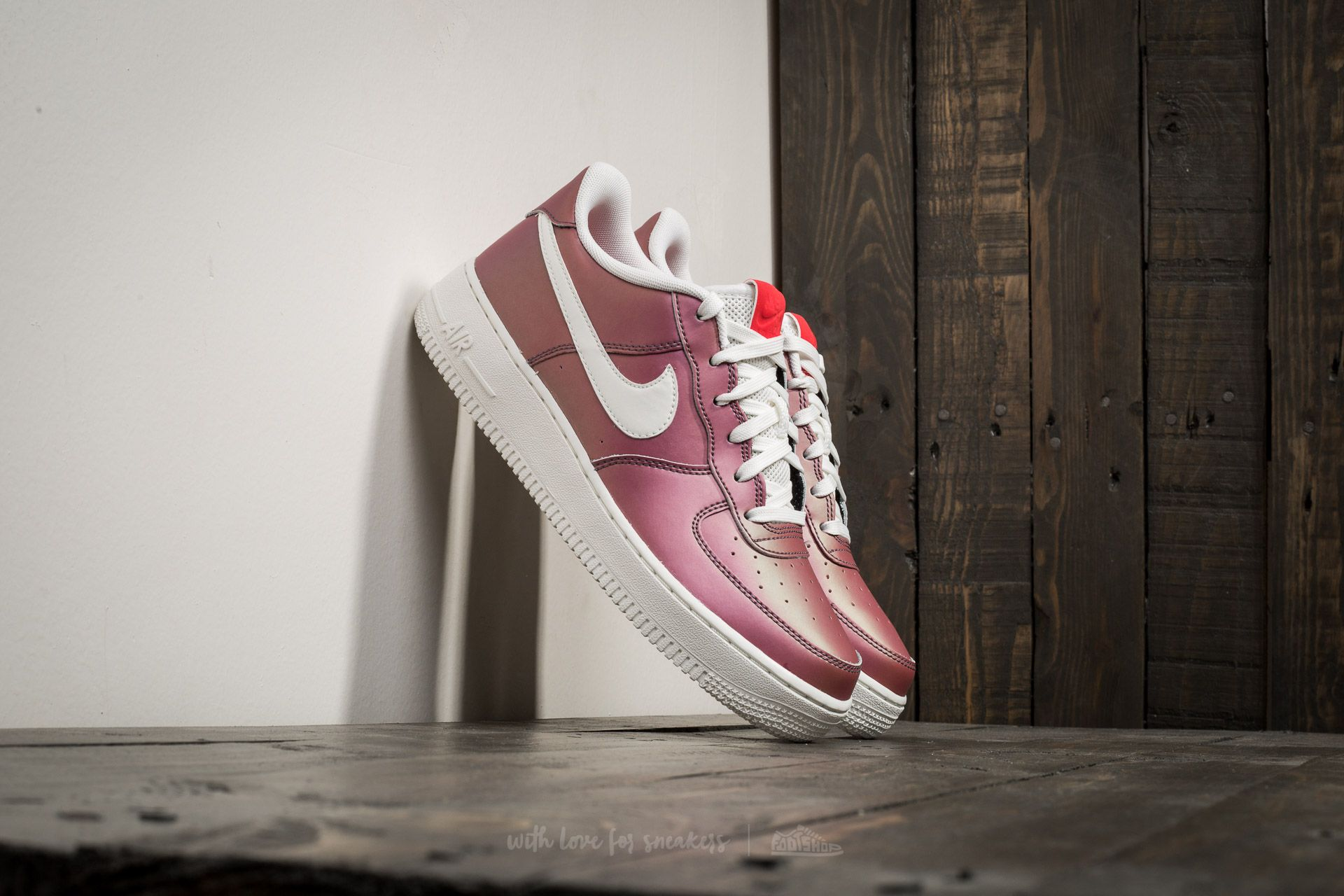 Nike Air Force 1 LV8 (GS) Track Red/ Summit White-Black