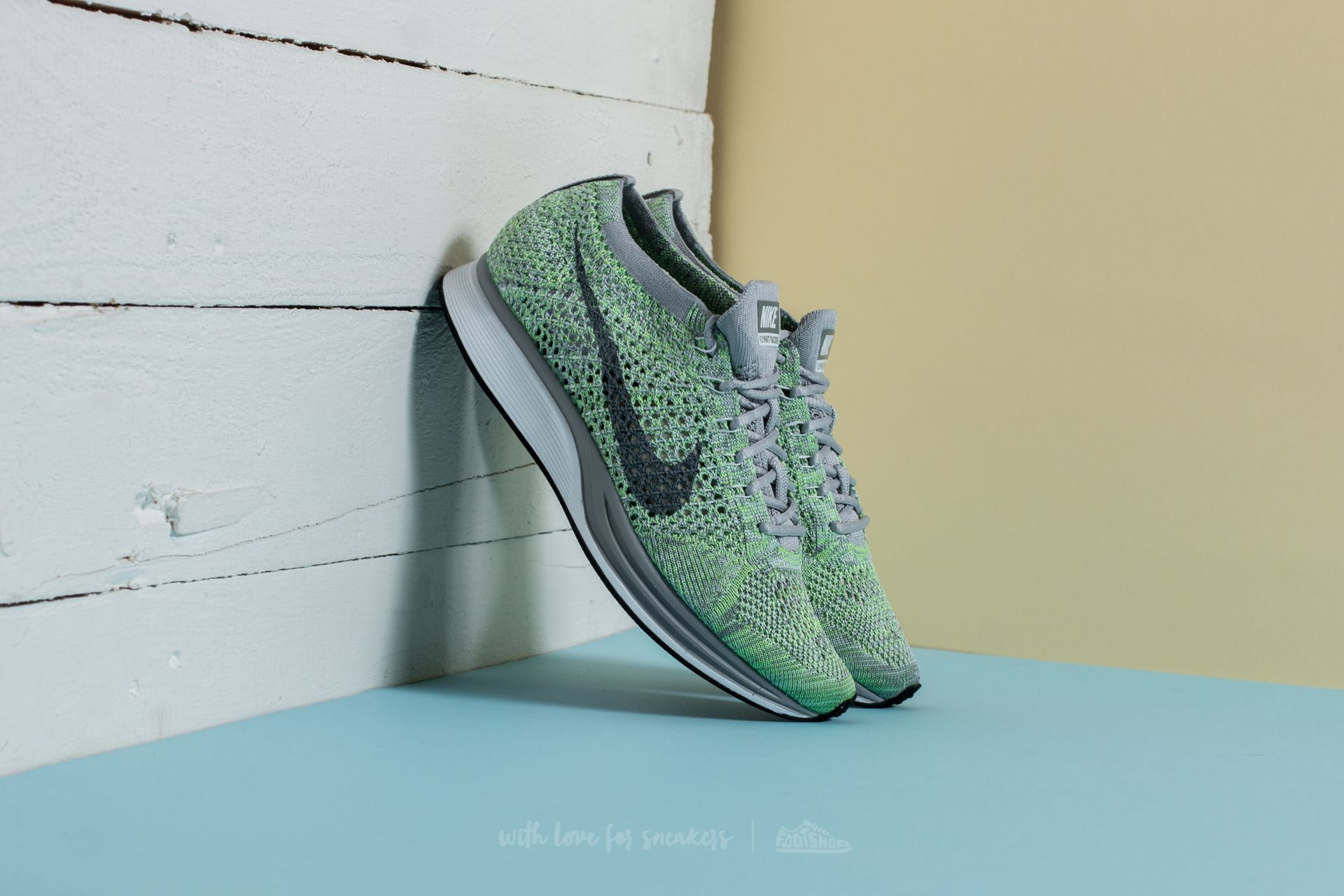 Nike Flyknit Racer White/ Cool Grey-Ghost Green
