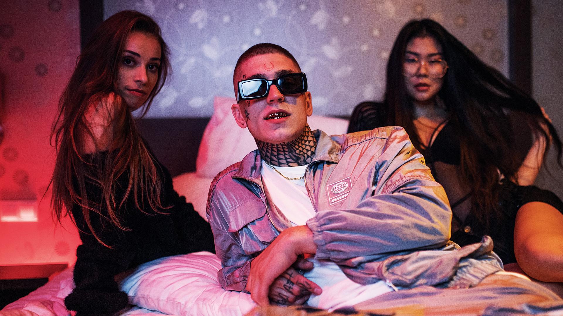 Nik Tendo ohlasuje nový album. S Yzom nakladajú ženám, ktoré sú na peniaze