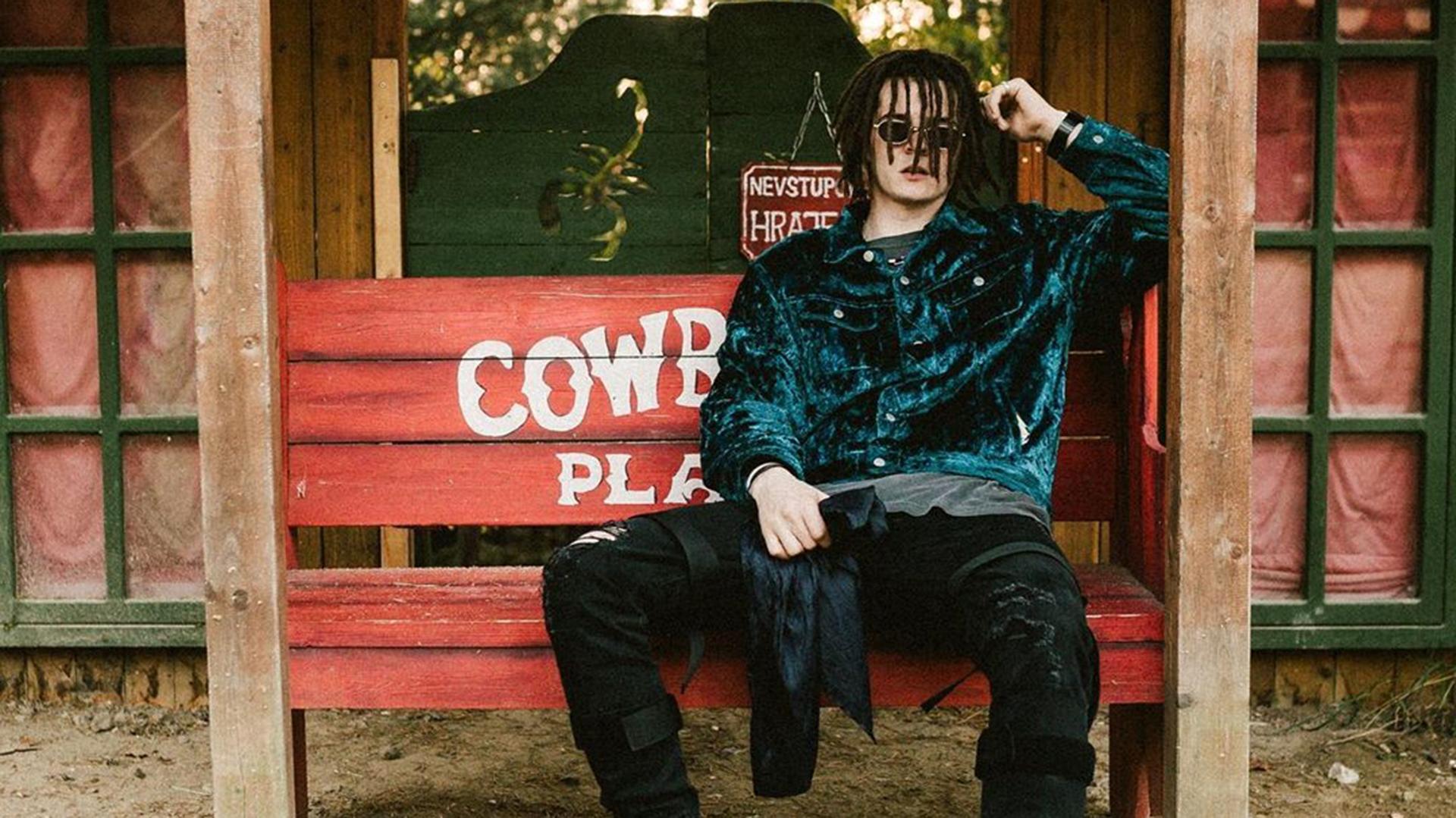 Zayo a Samey ako cowboyi v krátkom westernovom filme