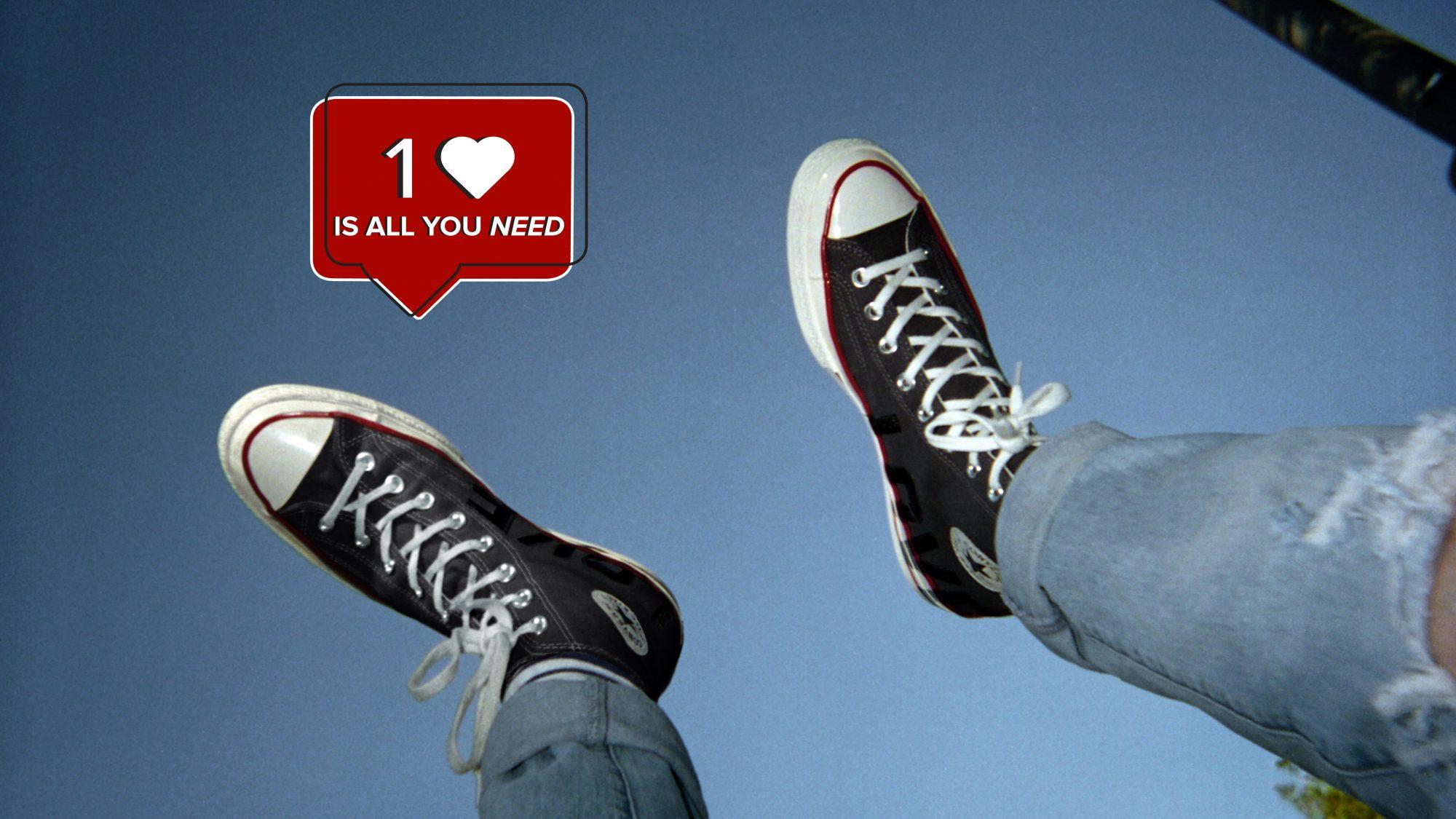 Miluj sám sebe, miluj Converse Love Fearlessly