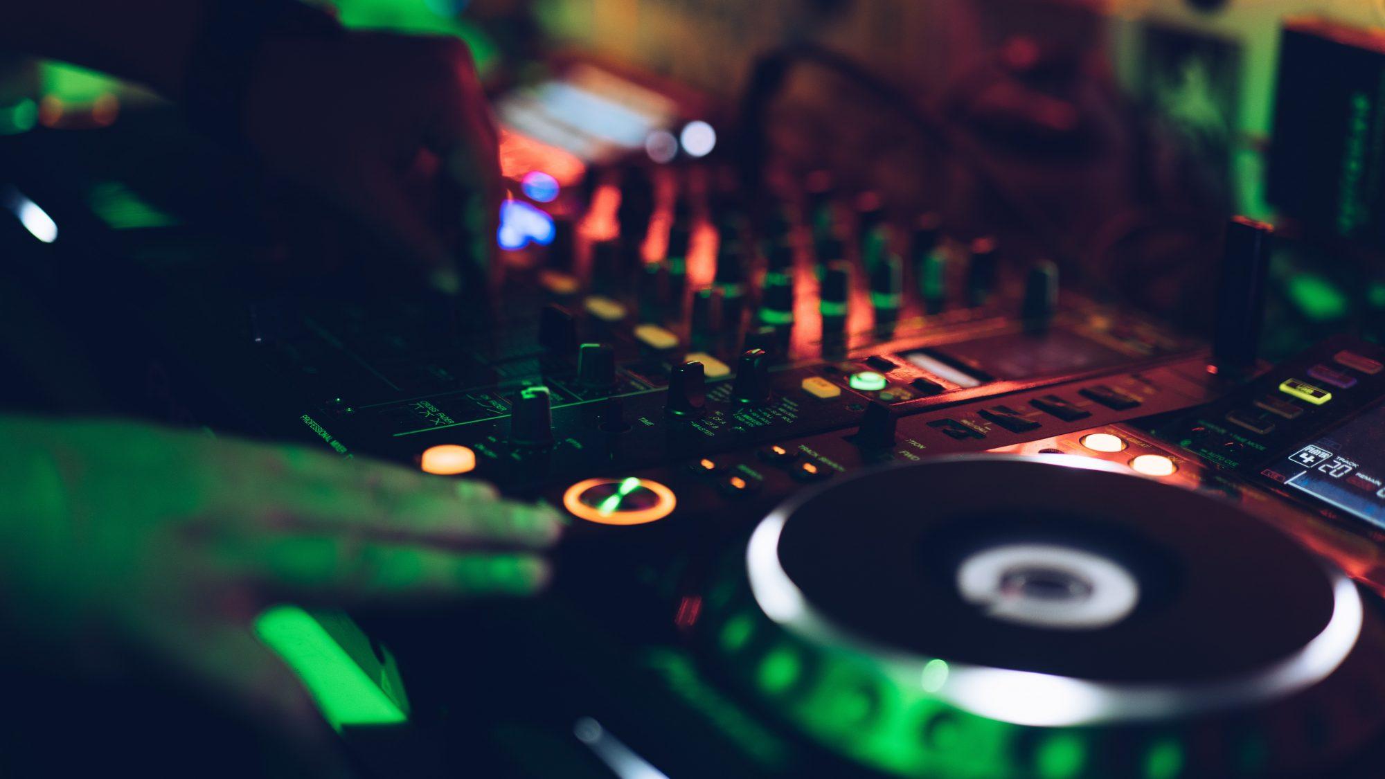 Esportový tým Brute organizuje challenge pro nejlepší herní DJs