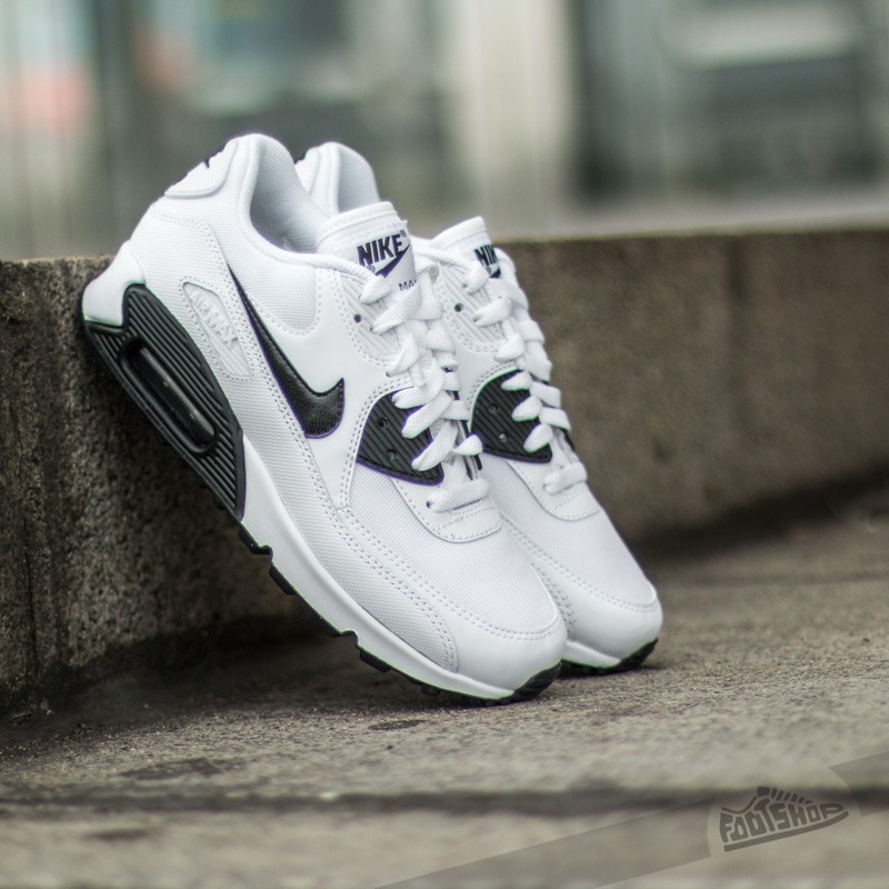 nike air max essential white black